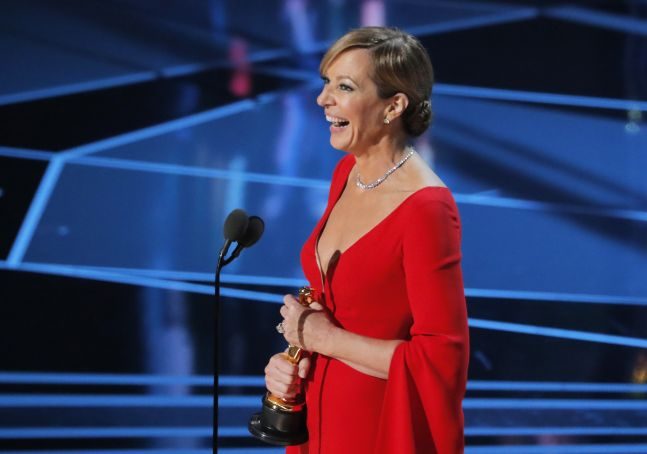 Allison Janney with her Best Supporting Actress Oscar