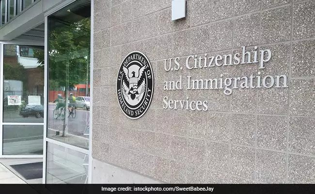 US Lawmakers, IT Industry Oppose Ban On H-4 Visas For Spouses Of H-1B Visa Holders