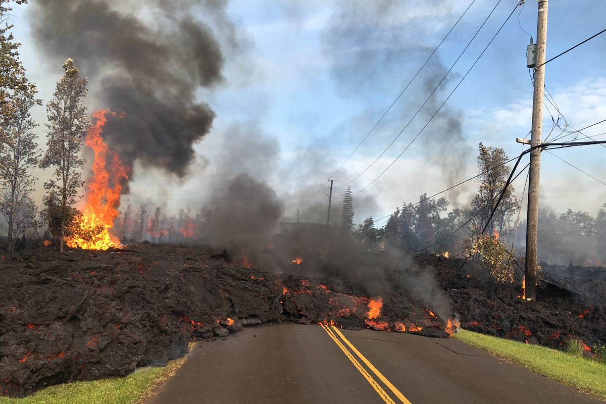 Hawaii Volcano - Advancing Rapidly