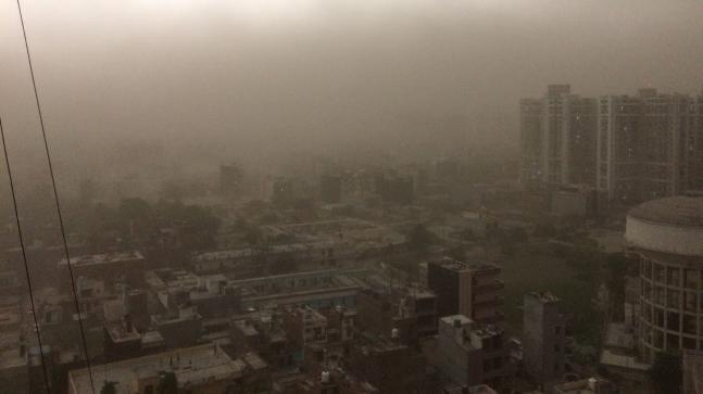 Solid breezes hit Delhi-NCR, rain in a few sections