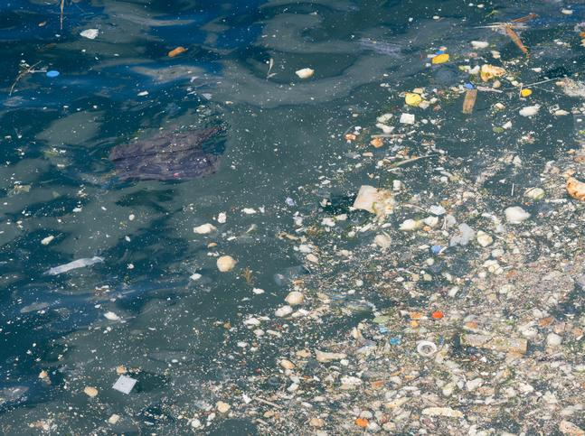 Water pollution because of plastic