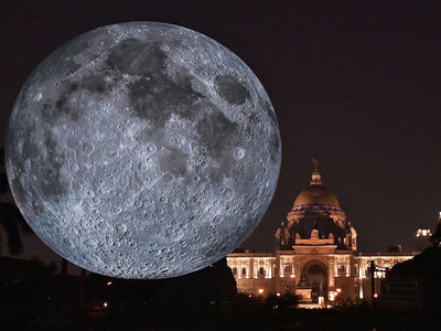 Monster Replica Of Moon Unveiled At Kolkata's Victoria Memorial
