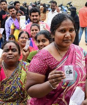 Caught in the act: BJP, Congress specialists giving out trade for votes out Bengaluru