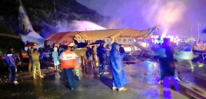 Air India IX-1344 flight skids off Karipur airport