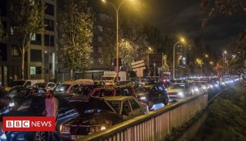 Covid-19: Record traffic out of Paris as second French lockdown begins