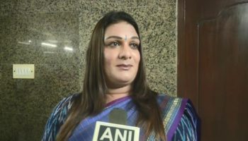 Apsara Reddy rejoin AIADMK said Congress distant from Tamil people