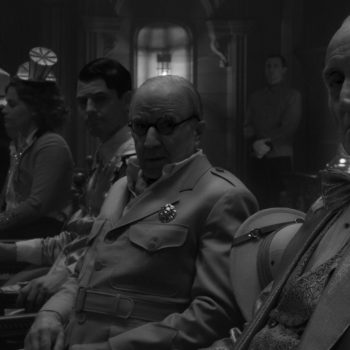 Arliss Howard as Louis B. Mayer and Charles Dance as William Randolph Hearst in 'Mank'