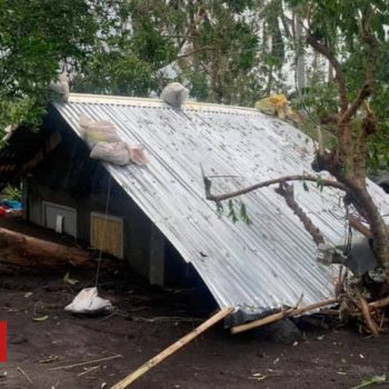 Typhoon Goni: Fears after Philippine municipality said to be 90% damaged