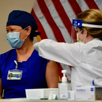 Teachers, first responders, grocery and restaurant workers recommended for next round of scarce COVID-19 vaccines in California