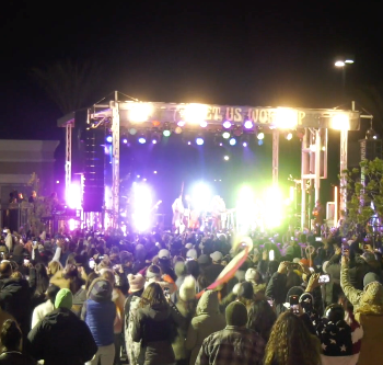 Christian singer draws crowd of 2,500 to New Year's Eve gathering in Valencia, ignoring risk of COVID-19 spread