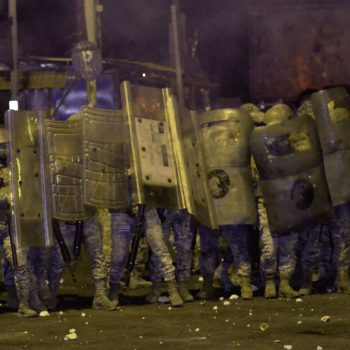 Protests amid Lebanon lockdown leave 1 dead, 220 injured