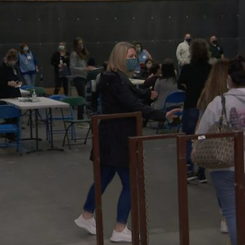2,400 COVID-19 vaccine doses to be given at pop-up clinic for staff at Moorpark, Simi Valley school districts