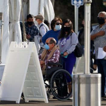 Disneyland COVID-19 vaccine site to temporarily close due to weather delaying dose shipment