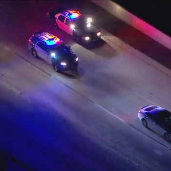 Man with a gun suspect leads police on lengthy chase on 10 Freeway in San Gabriel Valley