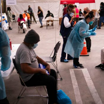 Appointments for 1st dose of COVID-19 vaccine drop by 50% in L.A. County, alarming public health officials