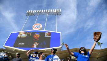 Dodgers offering seats in 'fully vaccinated-only section' for Saturday's game against Padres