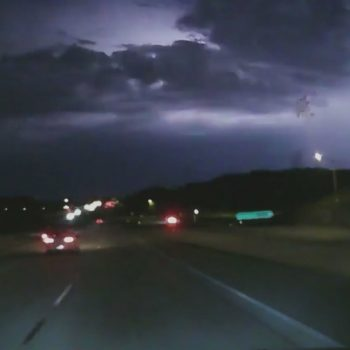 Thunderstorms hit Antelope Valley, San Gabriel Mountains overnight; Hot, humid day expected Monday