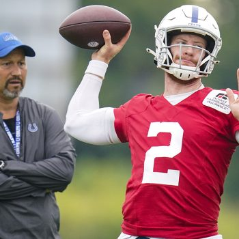 Colts' QB Carson Wentz out 5-12 weeks with broken foot