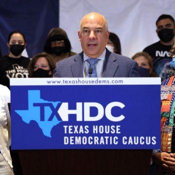Texas Democrats win restraining order preventing arrest, begin to return home